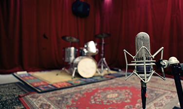 OPR ribbon microphone and gretsch drumkit in the recording room